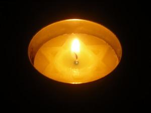 Yom Hashoah Candle Lighting